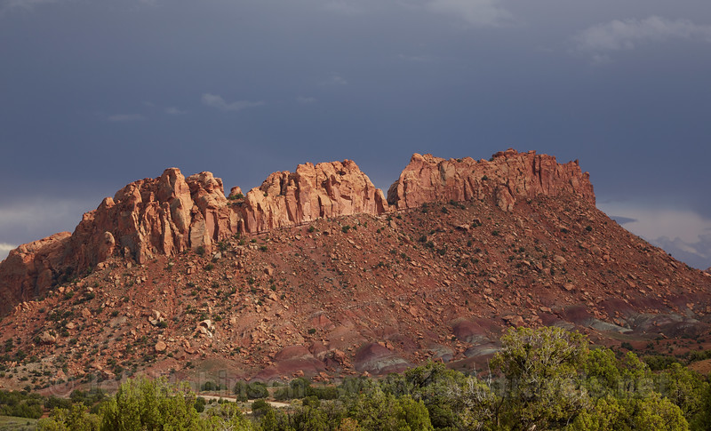 (9/14/2013, Burr Trail Rd., Capitol Reef NP, 2013 Utah)<br /> EF24-105mm f/4L IS USM @ 97mm f/11 1/250s ISO200