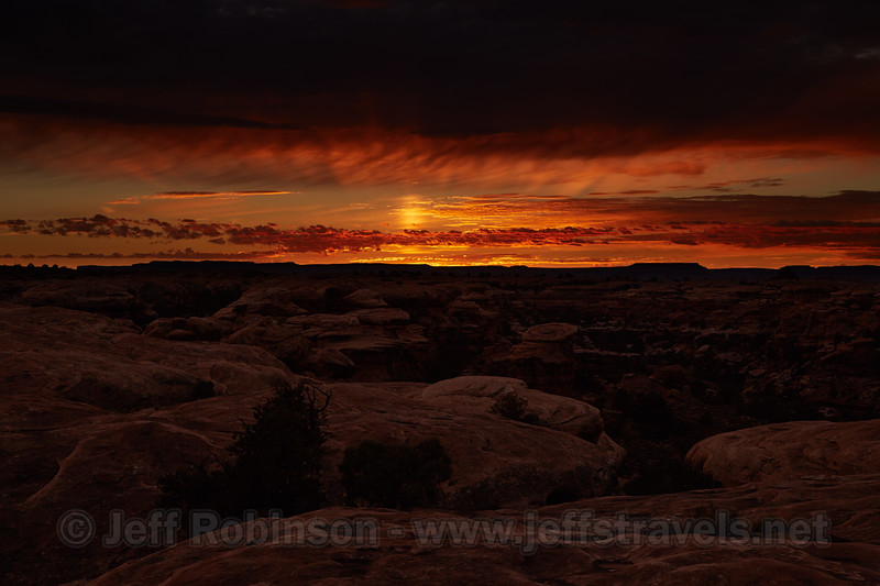 (10/9/2014, Pothole Point, The Needles section, Canyonlands NP)<br /> EF24-105mm f/4L IS USM @ 67mm f/8 1/100s ISO100