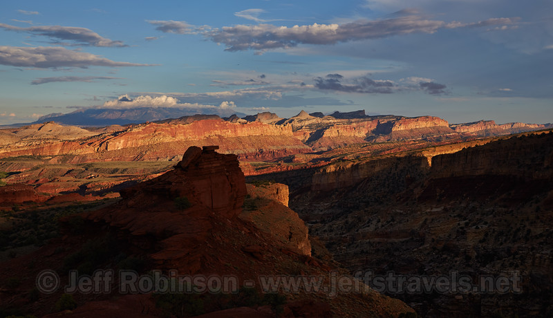 (9/15/2013, Sunset Point, Capitol Reef NP, 2013 Utah)<br /> EF24-105mm f/4L IS USM @ 47mm f/11 1/250s ISO320