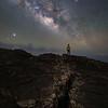 Vía Láctea sobre grietas volcánicas