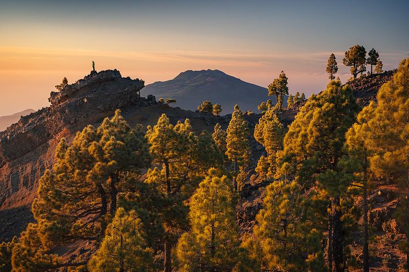Punta de Los Roques y Ruta de Los Volcanes