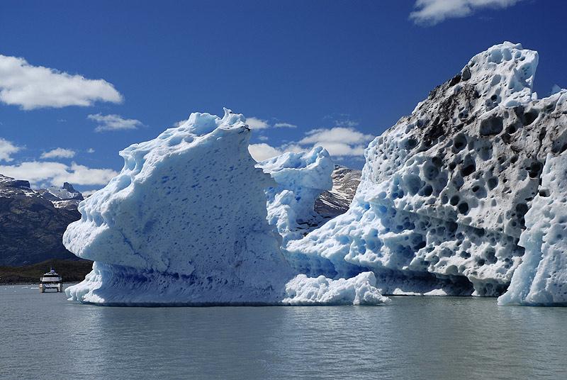 Tempanos en el Lago Argentino, Parque Nacional de Los Glaciares. Pagagonia Argentina
