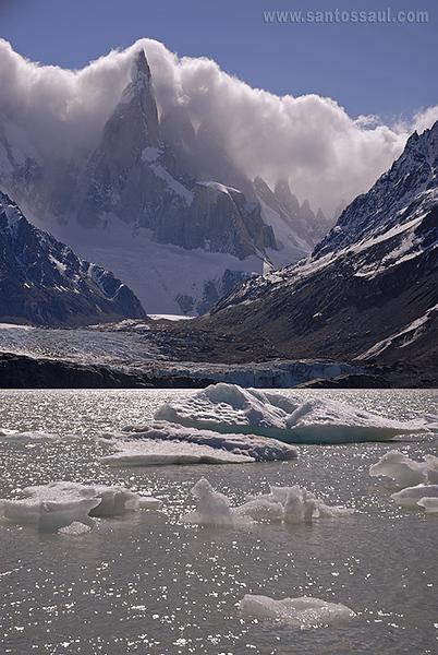 Cerro Torre, (3133msnm)Parque Nacional de Los Glaciares, Patagonia Argentina.