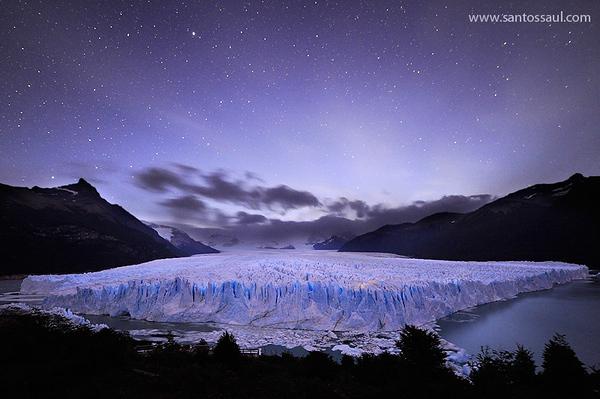 Noche en el Glaciar Perito Moreno, Parque Nacional de Los Glaciares, Patagonia Argentina.