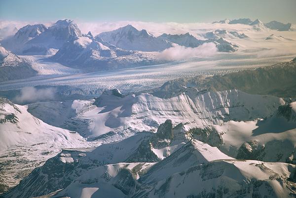 Vista Aerea del Glaciar Upsala y Campo de Hielo, Parque Nacional de Los Glaciares, Patagonia Argentina.