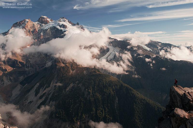 Vista del Cerro Tronador desde El Cerro Rigi, Patagonia Chilena
