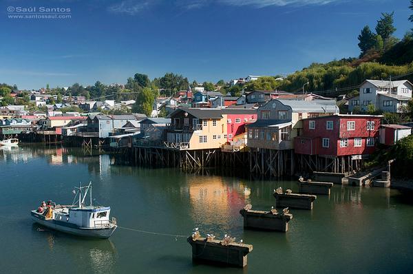 Chiloe, Ciudad de Castro, Talafitos, casas de pescadores. Patagonia Chilena