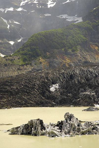 Glaciar Negro, Cerro Tronador, Rio Negro, Region de Los Lagos. Patagonia Argentina