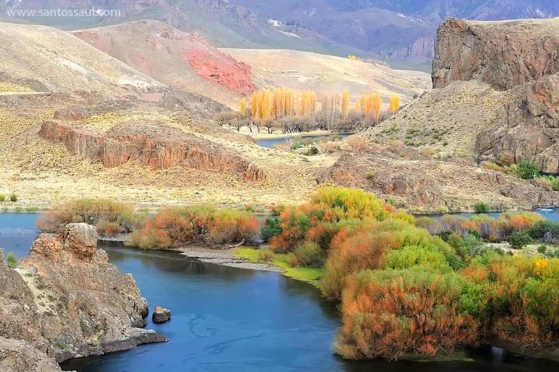 Rio Limay, Neuquen, Region de Los Lagos. Patagonia Argentina