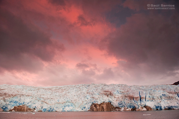 Atardecer en el Glaciar Tempano, Patagonia Chilena