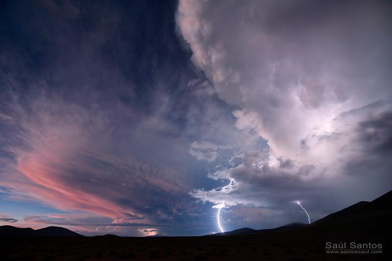 Tormenta al anochecer, Reserva nacional de fauna andina Eduardo Abaroa. Bolivia