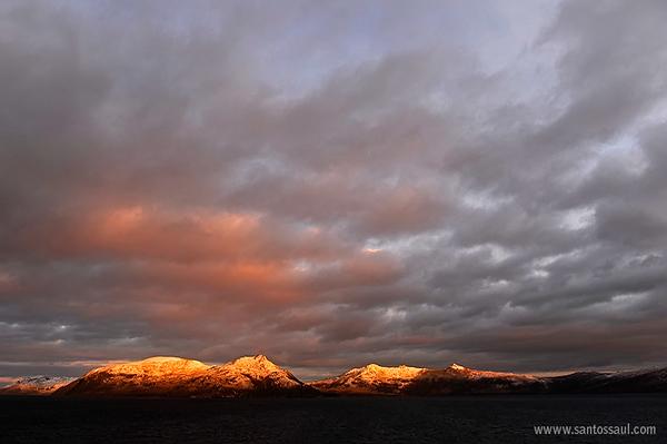 Amaneciendo en las isla de Cabo de Hornos, Tierra del Fuego, Patagonia Chilena.