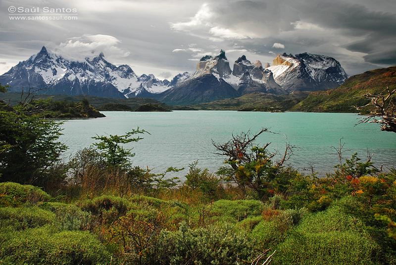 PN Torres del Paine, Panoramica desde el Lago Pehoe,  Patagonia Chilena