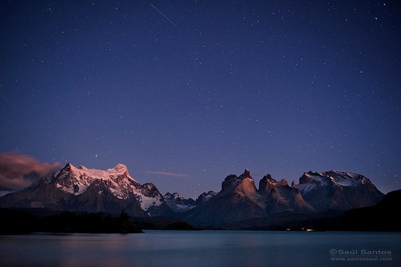 Parque Nacional Torres del Paine en la noche, Patagonia Chilena.
