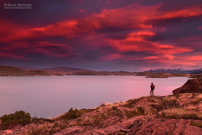 Atardecer en el Lago Peohe, Parque Nacional Torres del Paine, Patagonia Chilena