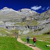 Pirineos, Parque Nacional de Ordesa, Valle de Ordesa al fondo Monte Perdido.