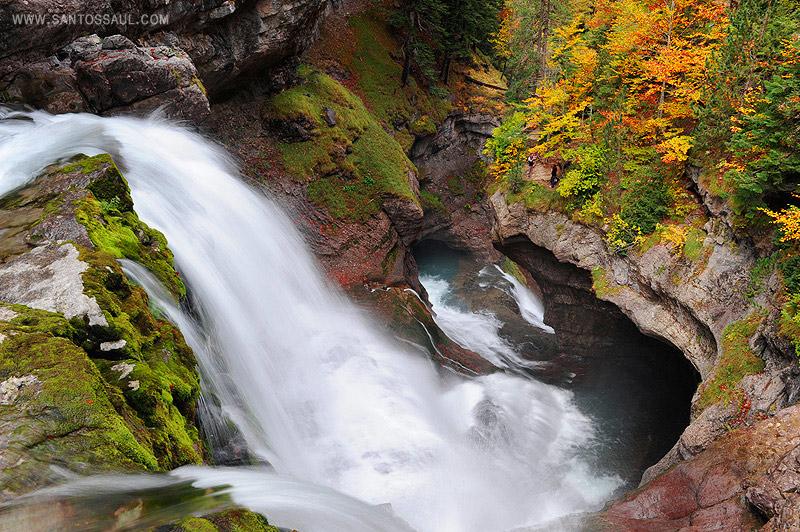 Pirineos, Parque Nacional de Ordesa,Valle de Ordesa, Cascada del Estrecho.