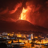 El centro del municipio de El Paso bajo el volcán de Cumbre Vieja.