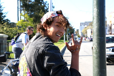 "Shaggy is a 20 year old skateboarder.  I asked him what he wanted to say and he started to write a simple poem.  ""I'm happy to be in the sun and be made of one.""   Being in the San Francisco sunshine seems to inspire him.   彼のニックネークは、シャギー。 スケボーを持った20歳の男の子。 何か言いたいことある?と聞くと、彼は詩を書き始めた。  「僕は、太陽の光を浴びて完成した。」  サンフランシスコに降り注ぐ太陽の光は、彼にインスピレーションを与えるのかもしれない。"