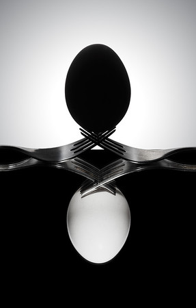 Egg and forks - Yin Yang style