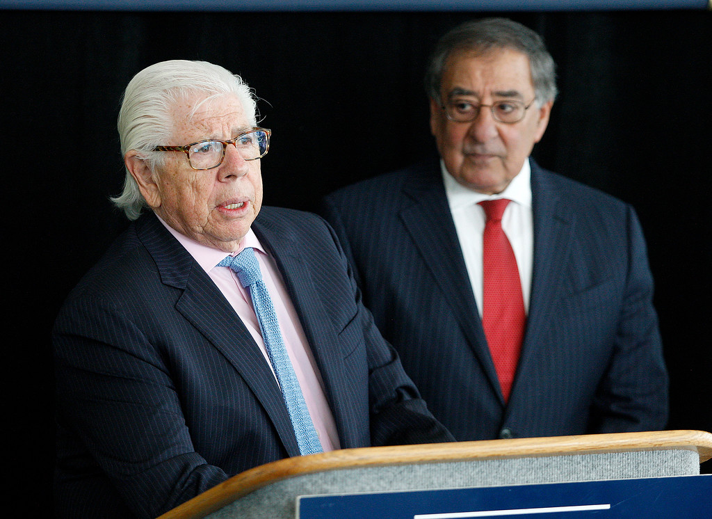 . Pulitzer Prize-winning journalists Carl Bernstein and Leon Panetta address the media at the Panetta Lecture Series in Monterey on Monday, April 30, 2018.  (Vern Fisher - Monterey Herald)