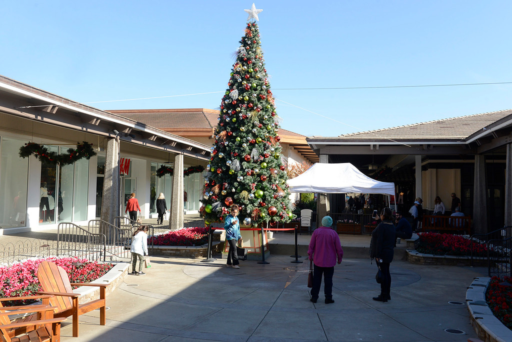 . The Christmas tree at Del Monte Shopping Center in Monterey on Monday, Dec. 18, 2017.  (Vern Fisher - Monterey Herald)
