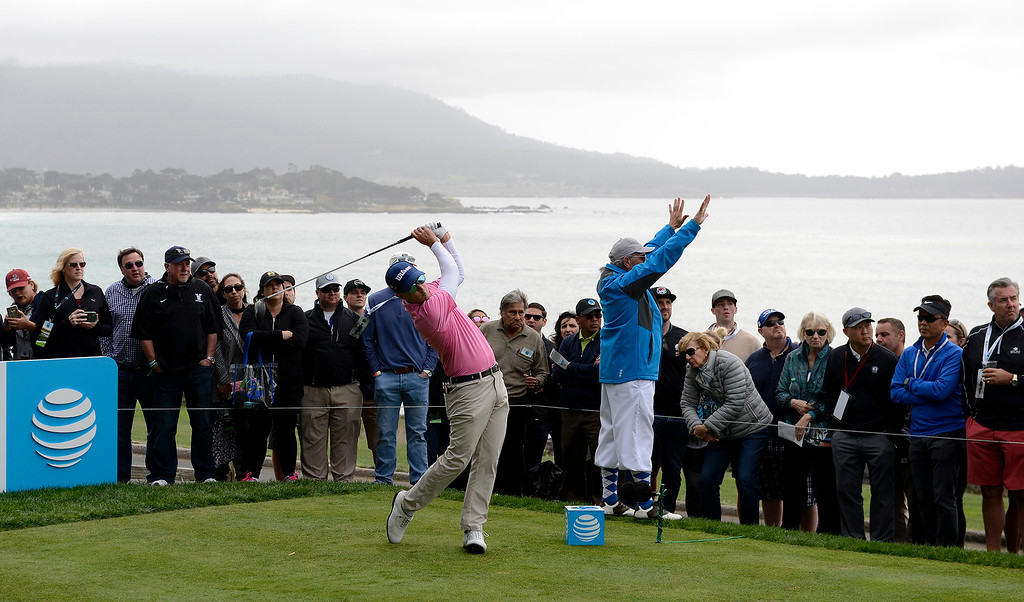 . Kevin Streelman tees off from the 14th hole at the Pebble Beach Golf Links during the final round of the AT&T Pebble Beach Pro-Am on Sunday, Feb. 11, 2018.  (Vern Fisher - Monterey Herald)