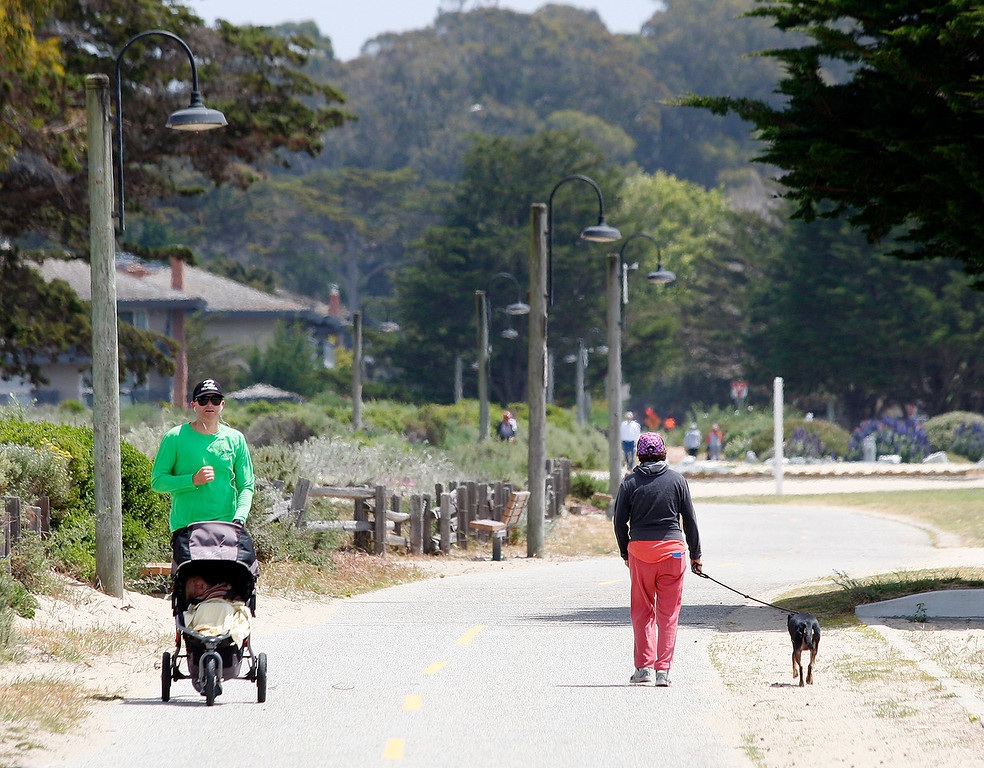 . People enjoying the nice weather on the Recreational Trail in Monterey on Friday, May 4, 2018.  (Vern Fisher - Monterey Herald)