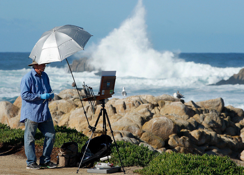 . Local artist Al Shamble paints the scenery in Pacific Grove on Monday, Nov. 27, 2017.  (Vern Fisher - Monterey Herald)