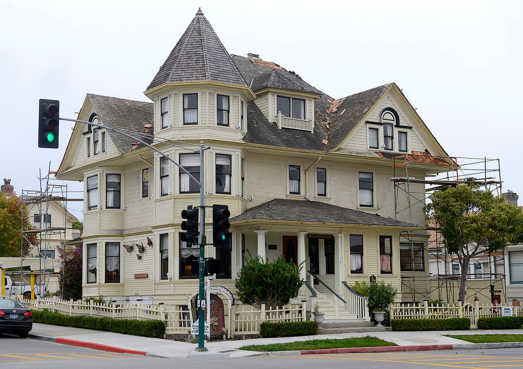 . The Pacific Grove Inn on Pine Avenue and Forest Avenue in Pacific Grove on Wednesday, September 26, 2018.  (Vern Fisher - Monterey Herald)