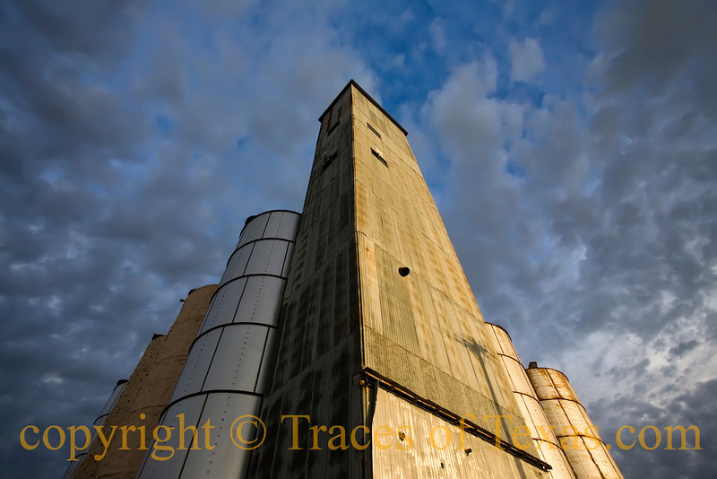 Title:  'Scuse Me, While I Kiss Seguin<br /> <br /> Comments:  When's the last time you REALLY looked at those grain elevators downtown?<br /> <br /> Location: Seguin