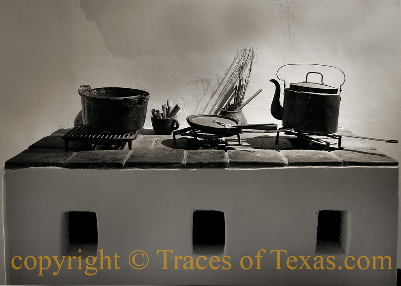 Title: You Hungry?<br /> <br /> Comments: Spanish Governor's House<br /> <br /> Location: San Antonio