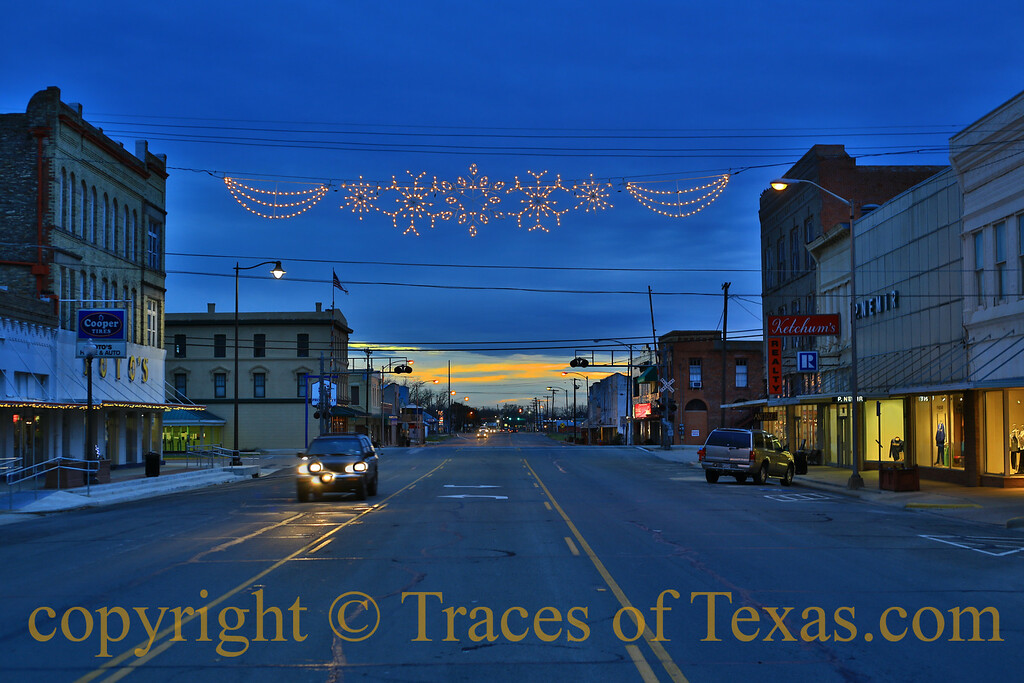 Title:  World of Blue<br /> <br /> Comments: Night was falling rapidly in Navasota. I was alone and swiftly falling into a World of Blue. <br /> <br /> Location: Navasota