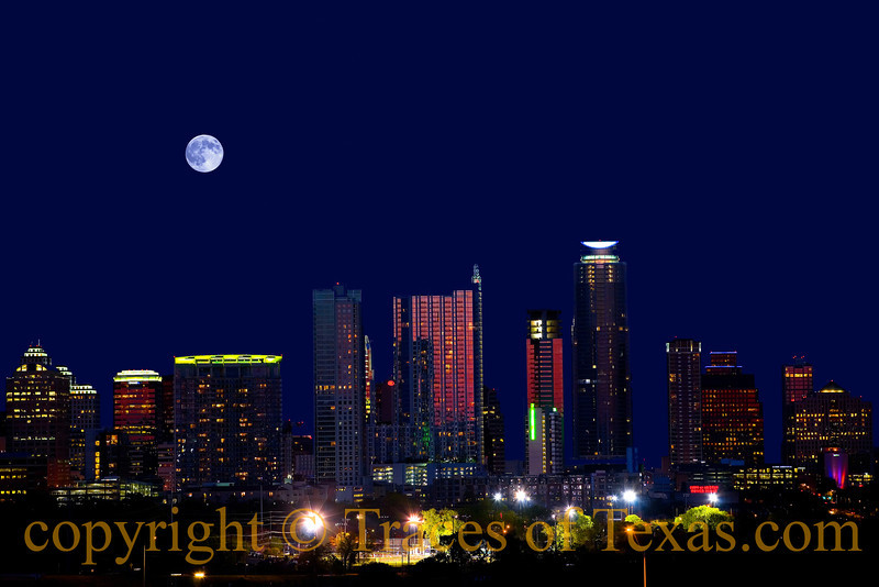 Title: When You're Alone and Life is Making You Lonely You Can Always go .... Downtown<br /> <br /> Comments:  Just listen to the music of the traffic in the city, linger on the sidewalks where the neon signs are pretty ...<br /> <br /> Location: Downtown Austin