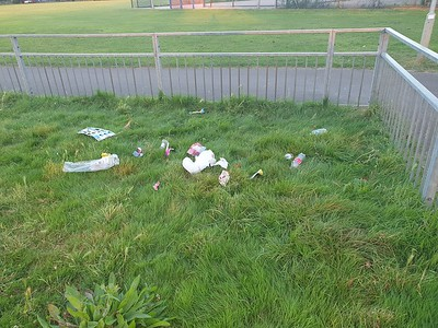 Sept 12th 2021 Vic' park childrens play area  Day 2 of no pick regime