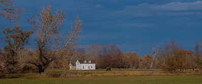 White house and horse - Hygene-Colorado