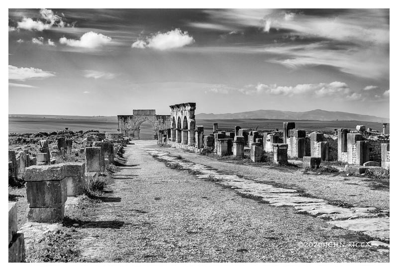 Arch of Caracalla, Volubilis, Morocco.jpg