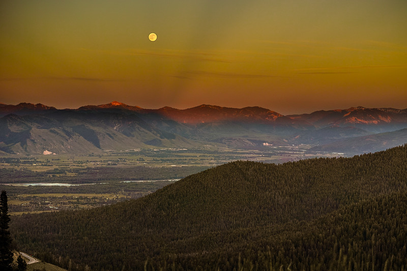 Moonrise in Shoshone