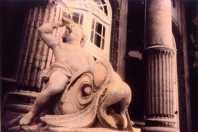 Statue in front of the Szecheny Baths