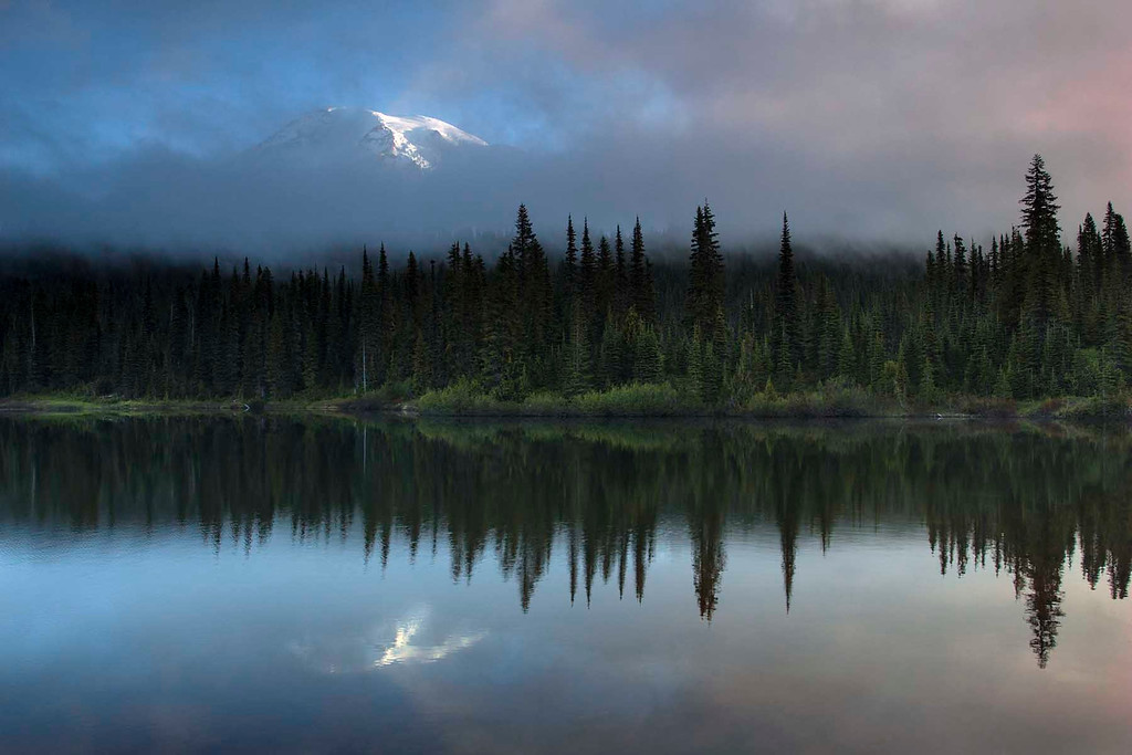 Sunrise on Mt Rainier and Reflection Lake, Mt Rainier NP, Washington