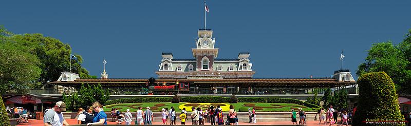 Front entrance - The Magic Kingdom, Disney World