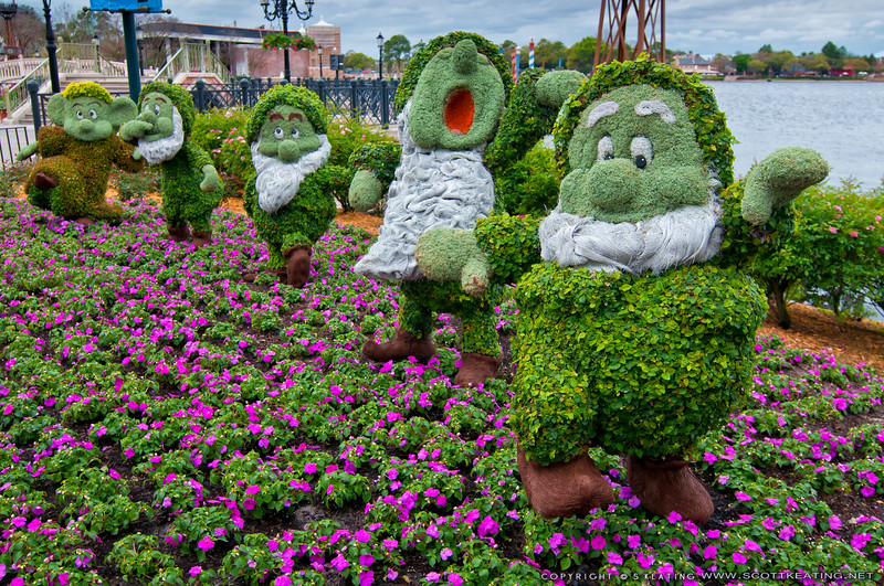 Dwarfs topiaries<br /> Topiaries at Epcot