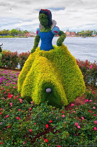 Snow White Topiary<br /> Snow White Topiary - Epcot