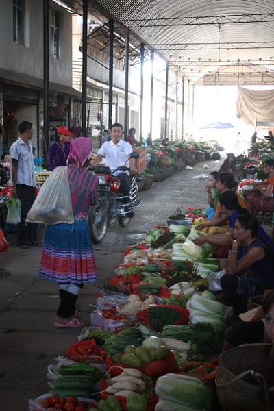 Ganlanba, market, Selling vegs