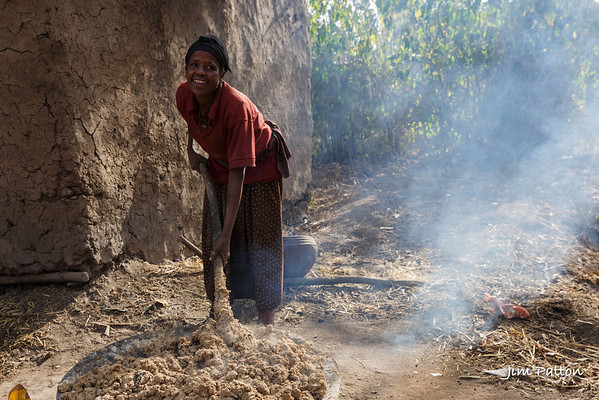 Oromo tribe; NGO area for people with handicaps (leprosy). Making Araki