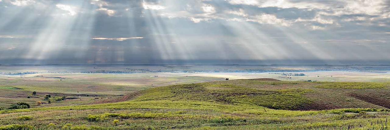 Sunbeams at Teter Rock