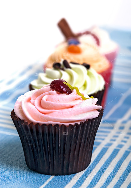 Cupcakes on tablecloth