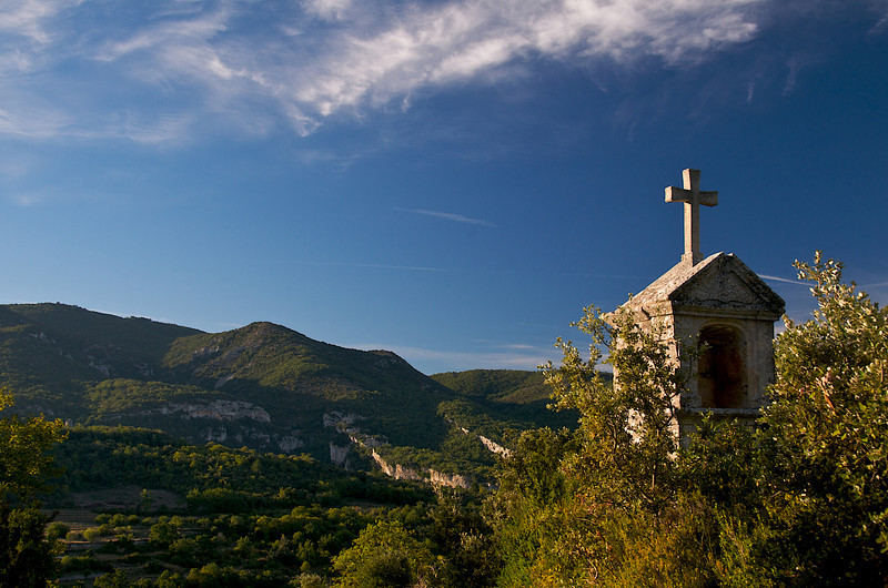L'oratoire above the village of Buoux