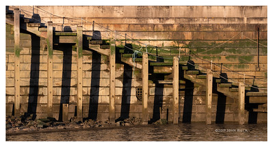 Steps To The Thames