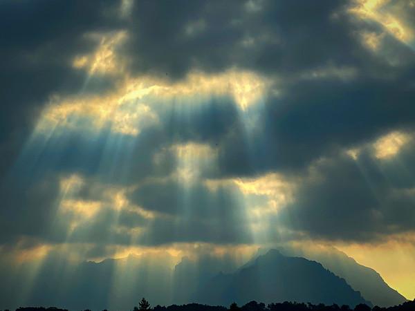good morning Magrej ! (sunrise on grigna range)